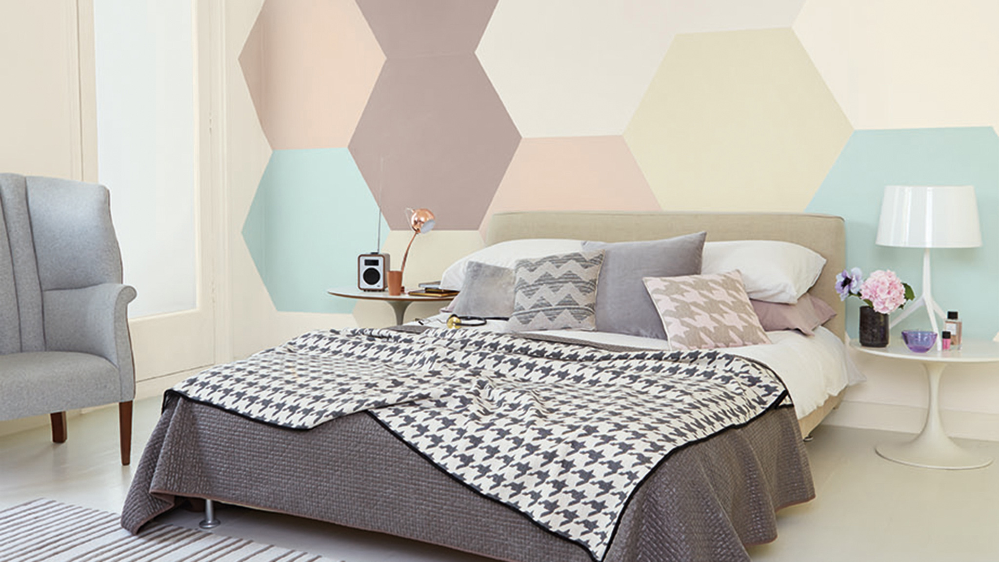 Decorate A Bedroom Designed For Two Dulux